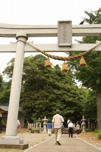 JR七尾線金丸駅の北西300mほどに鎮座する鎌宮諏訪神社